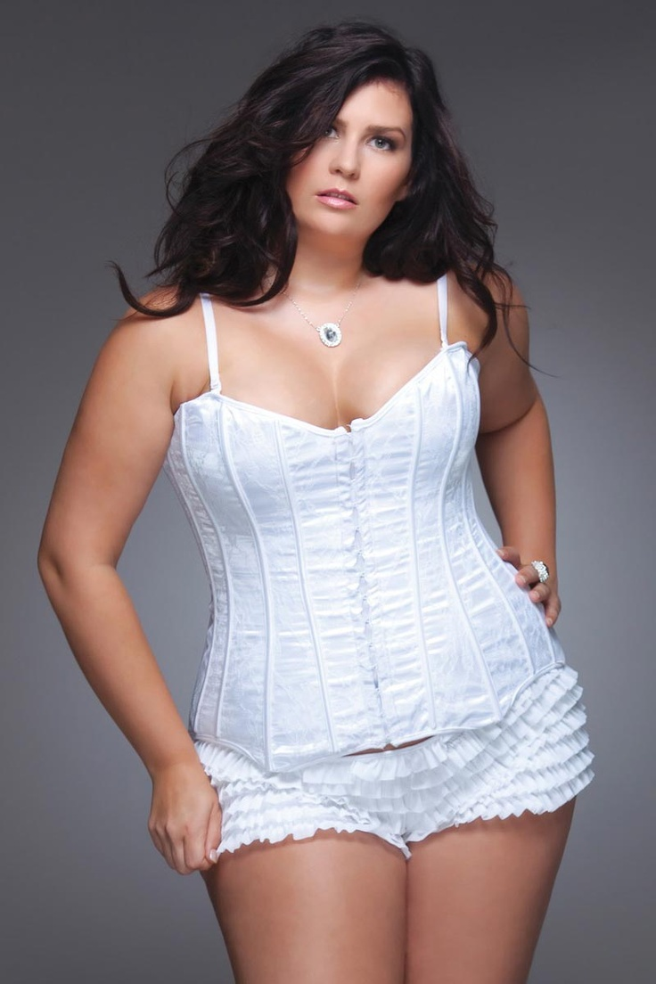 plus size lingerie model outfit idea 3