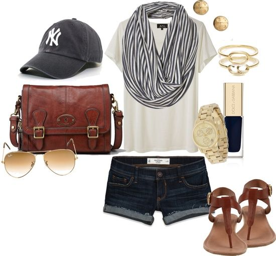 baseball game outfit idea for women 3