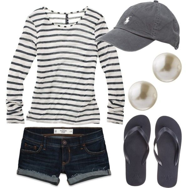 baseball game outfit idea for women 4