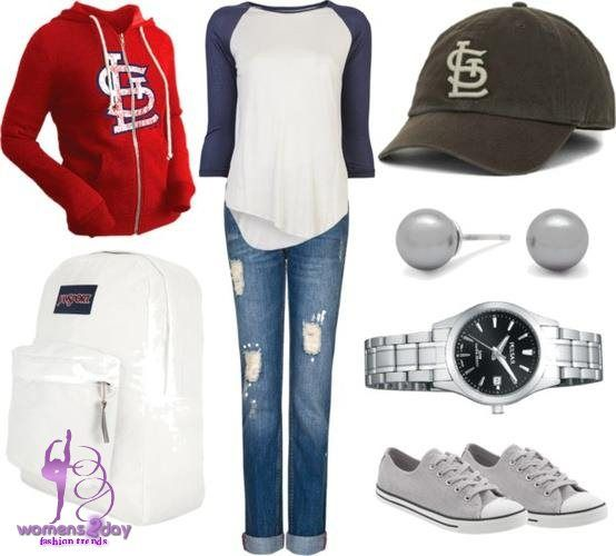 baseball game outfit idea for women 5