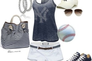 baseball game outfit idea for women 7