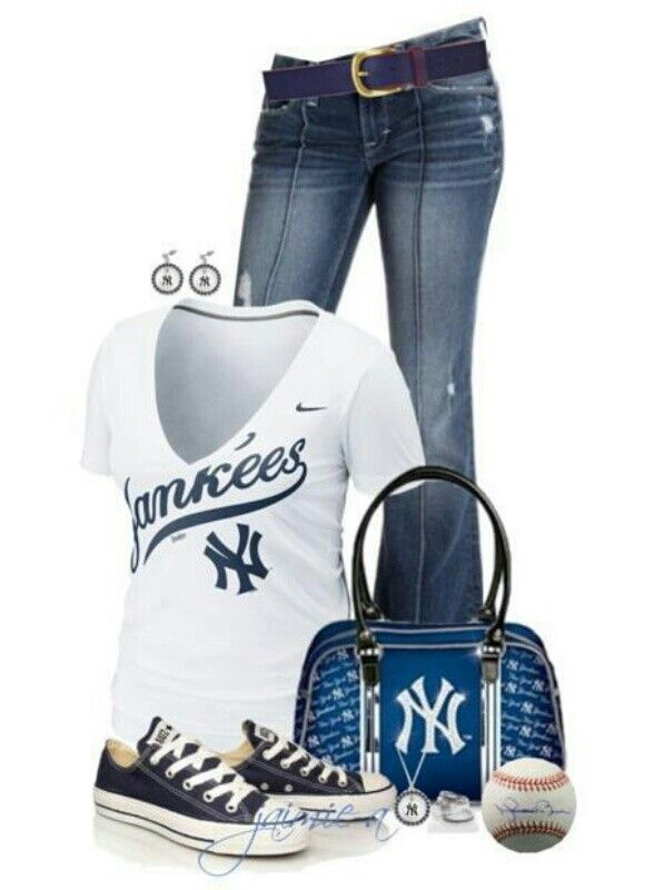 baseball game outfit idea for women 8