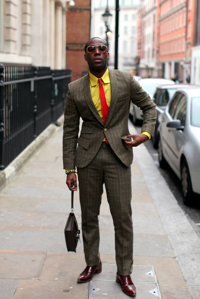 men's yellow dress shirt outfit idea 6