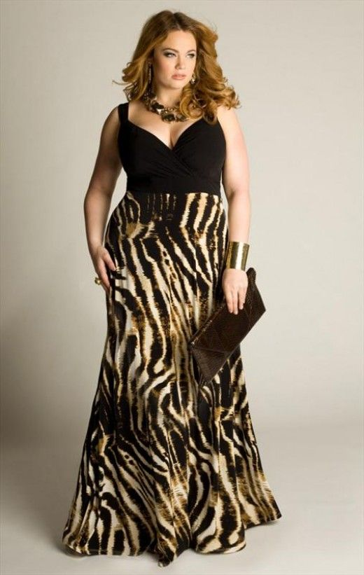 plus sized maxi dress outfit idea 3