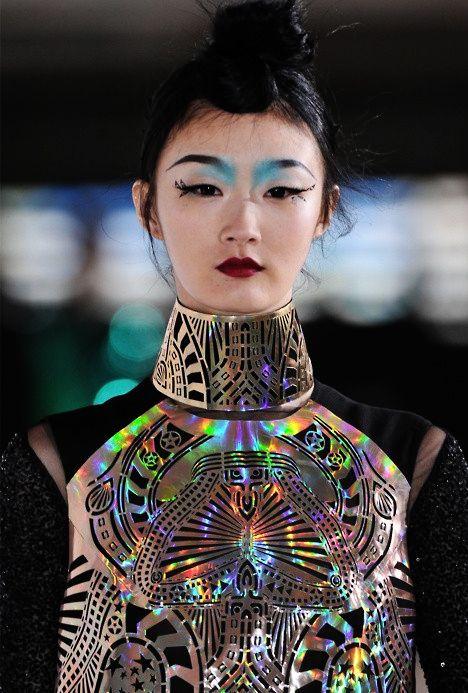 futuristic outfit ideas 4