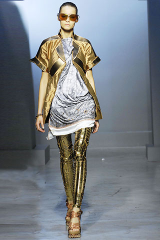 futuristic outfit ideas 8