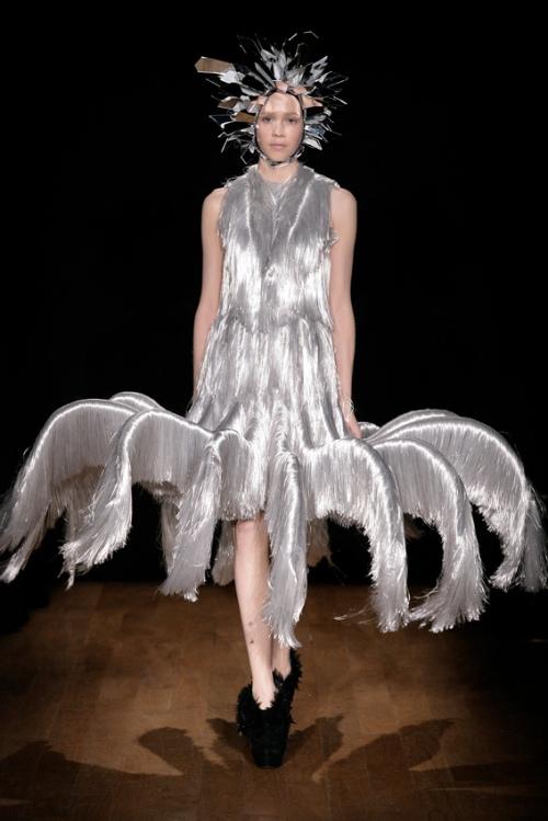 futuristic outfit ideas 3