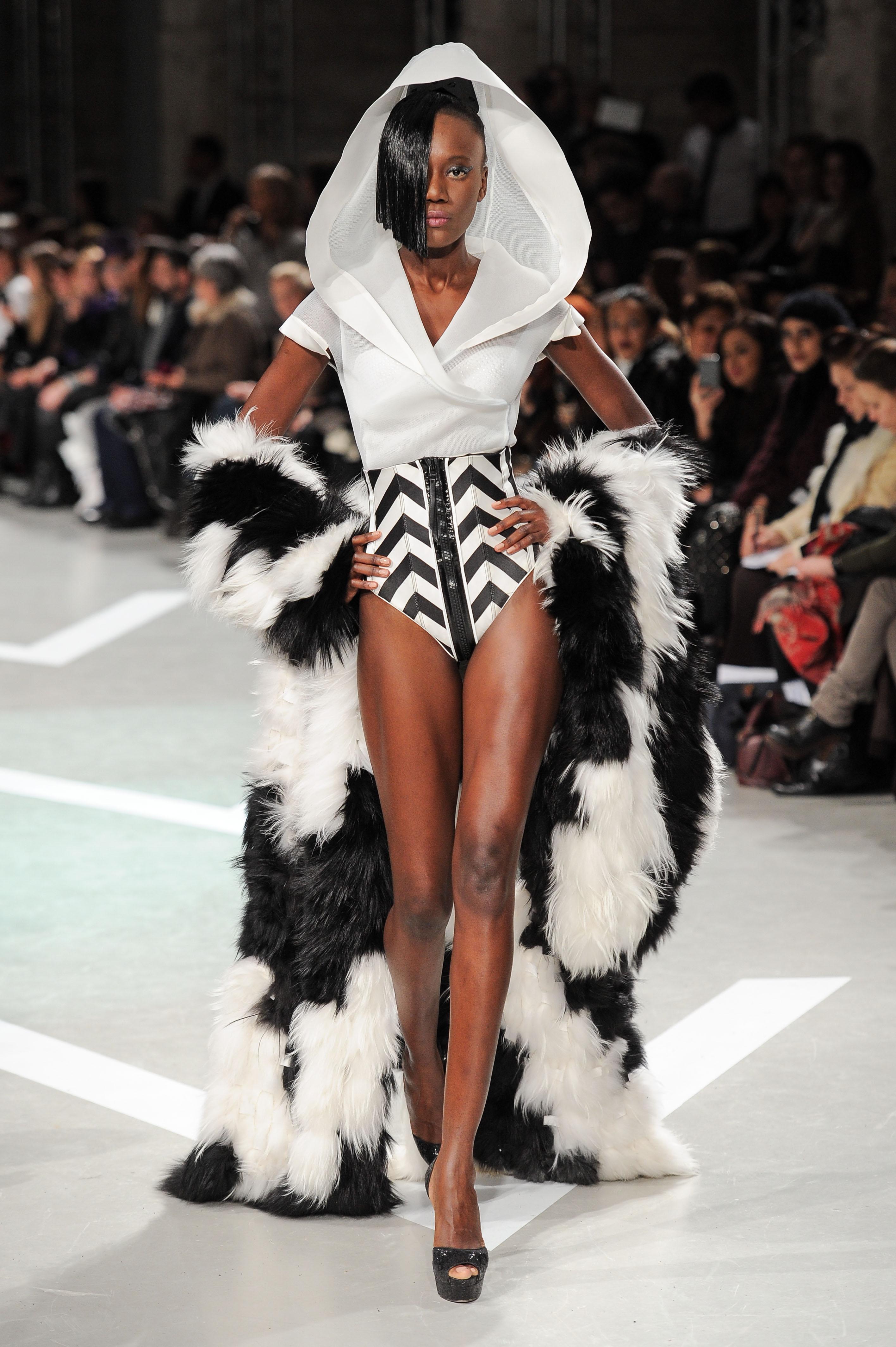 futuristic outfit ideas 5