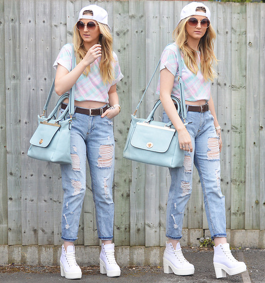 boyfriend jeans outfit idea style 12