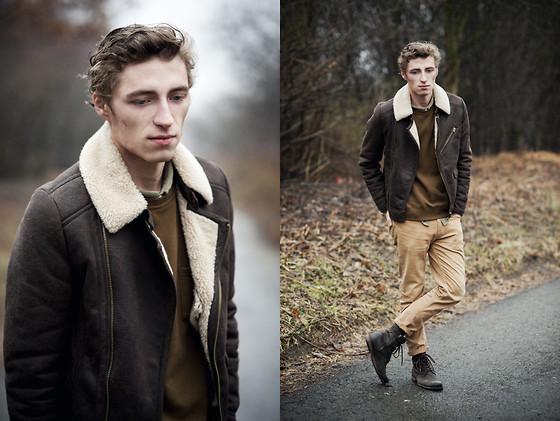 khaki outfit ideas men 14