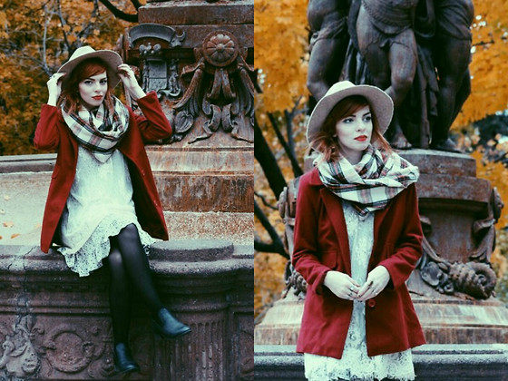 preppy outfit ideas with scarves 4