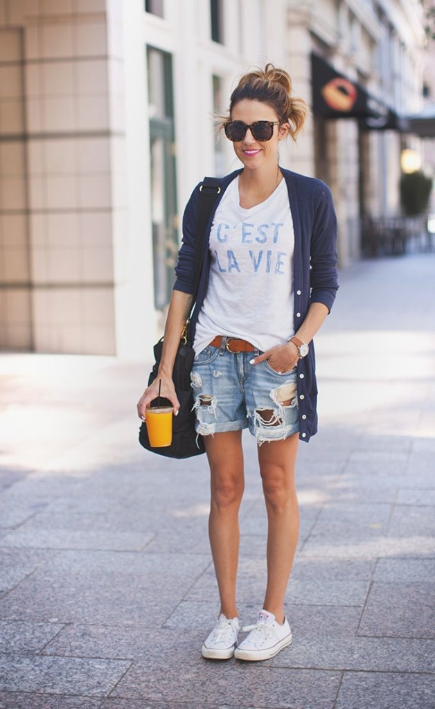 white sneakers outfit ideas 7