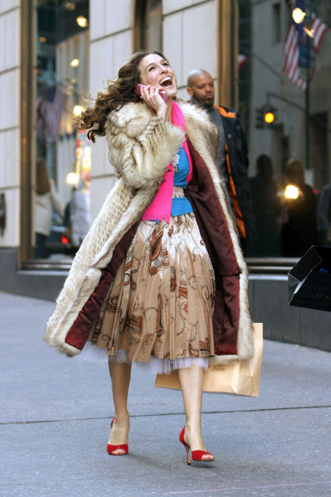 carrie bradshaw inspired outfit ideas 13