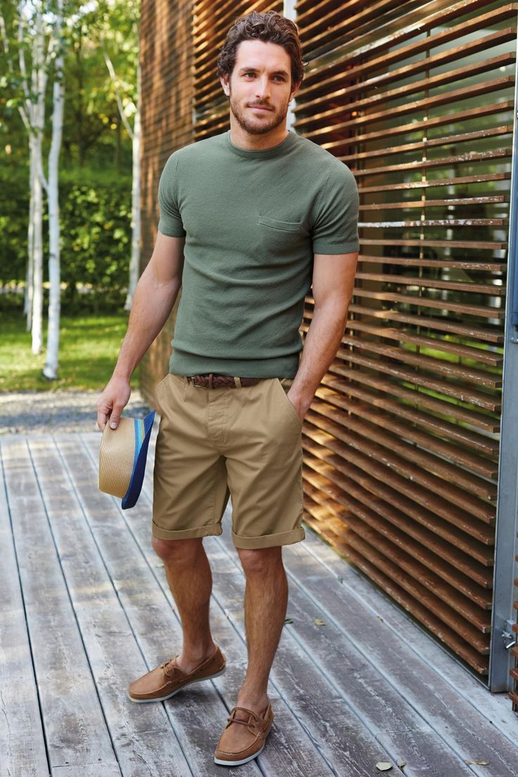 This Mens summer casual short outfits worth to copy 38 image is part from 75 Best Mens Summer Casual Shorts Outfit that You Must Try gallery and article, click read it bellow to see high resolutions quality image and another awesome image ideas.