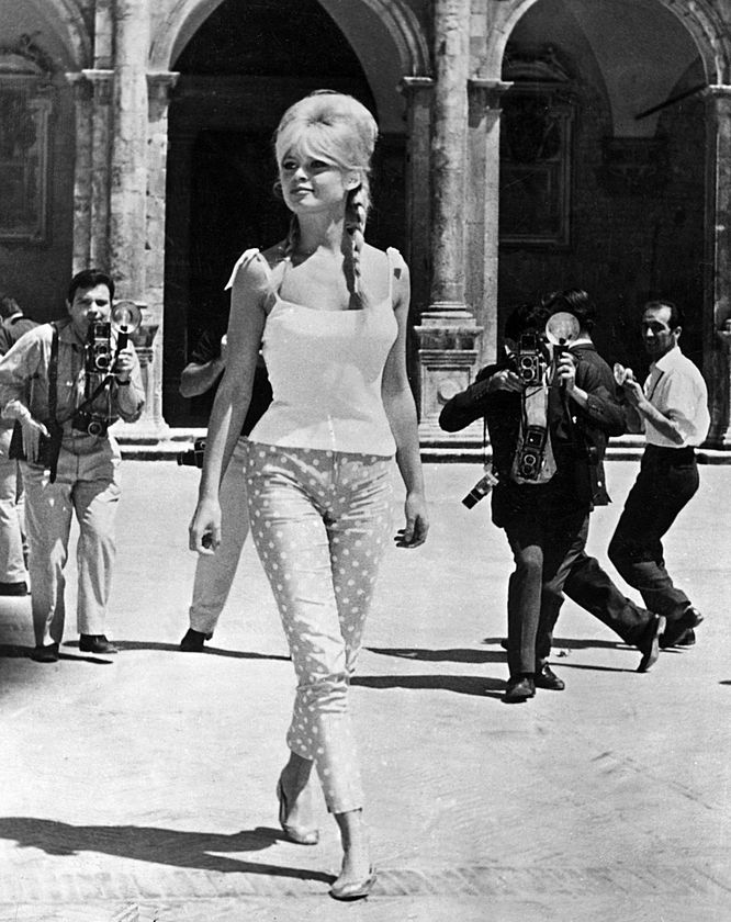 iconic stylish women in the 1960s 11