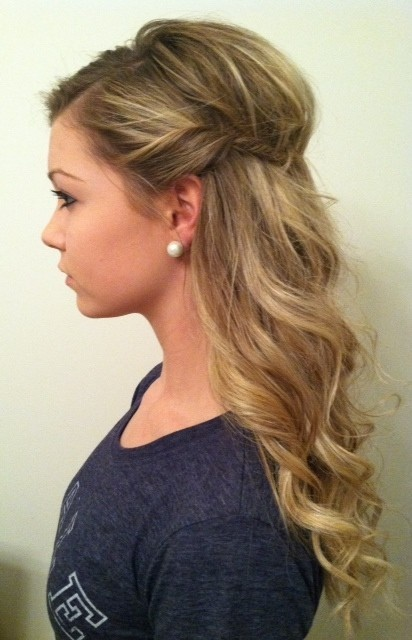 cute hairstyles for curly hair 6