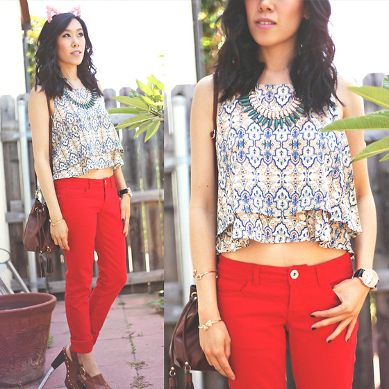 outfit ideas with red trousers 10