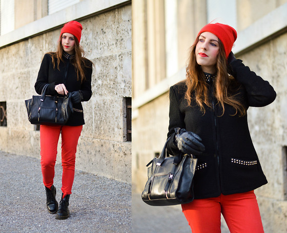 outfit ideas with red trousers 3
