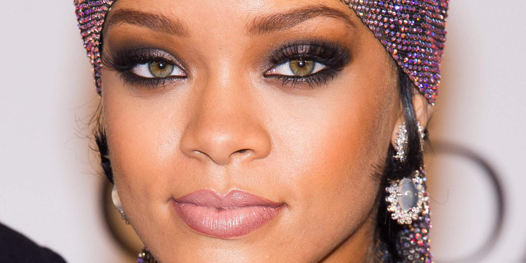 Best Rihanna Looks - Outfit Ideas HQ