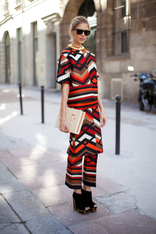 bold prints outfit ideas 1