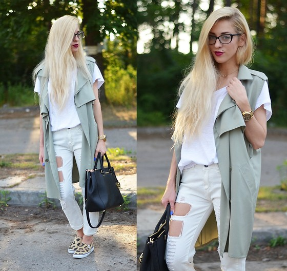 fall outfit ideas with white jeans 2