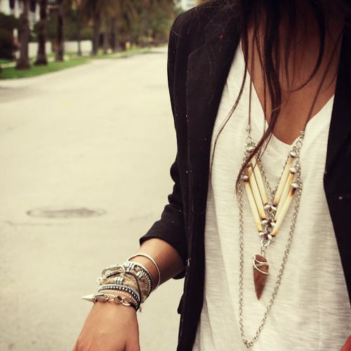 Black and White Outfit for Teens 5