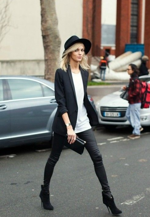Black and White Outfit for Teens 6