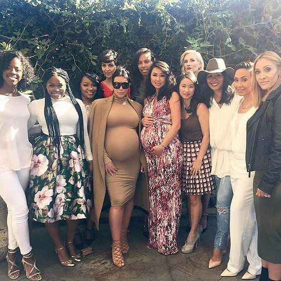 9607342801b What to Wear to a Baby Shower  36 Ideas to be Comfortable In ...