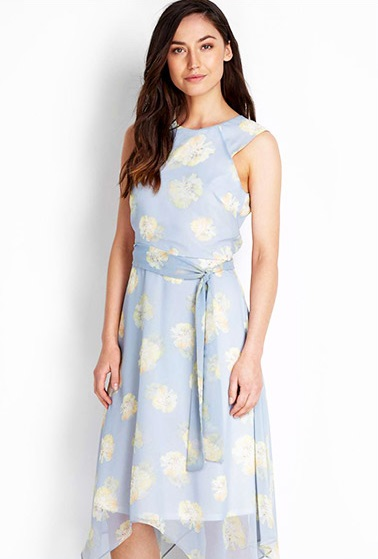 delicate florals race day outfit