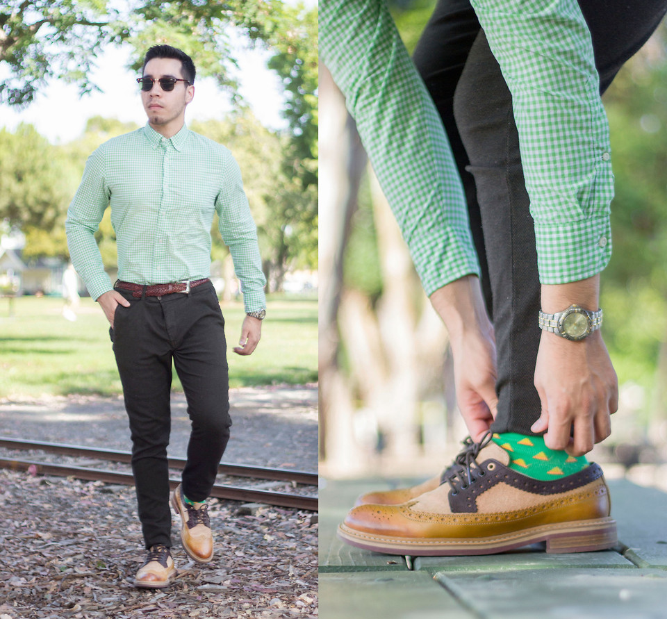 green shirt with grey pants
