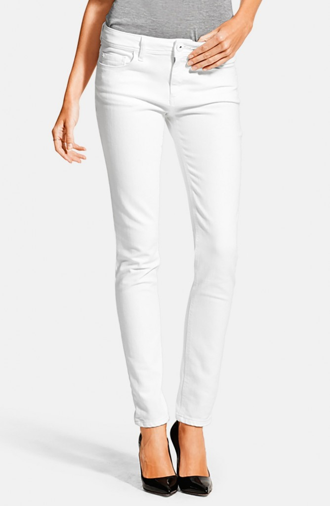 white jeans at the country music concert