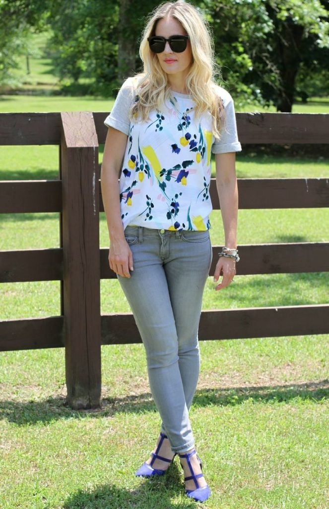 grey jeans with floral top