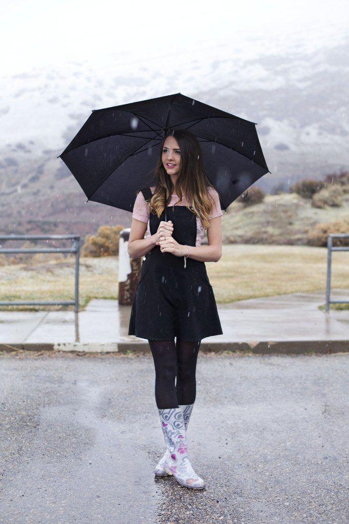 outfit-ideas-during-heavy-rain-11