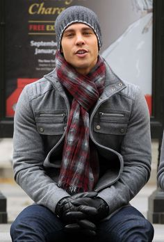 mens-scarf-outfit-ideas-10-with-beanie