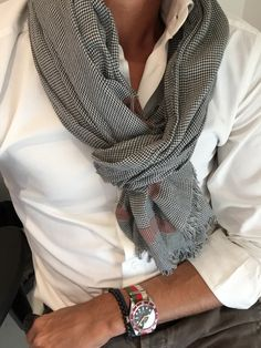 mens-scarf-outfit-ideas-17