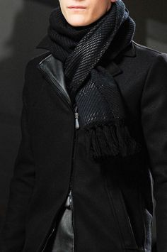 mens-scarf-outfit-ideas-19