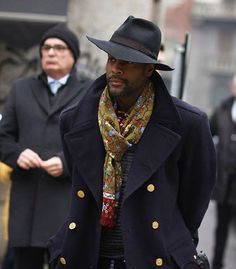 mens-scarf-outfit-ideas-26