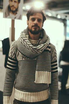 mens-scarf-outfit-ideas-31