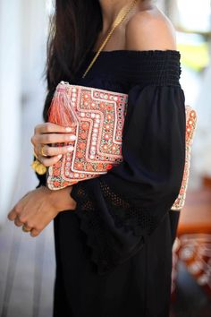 outfits-with-a-clutch-purse-3