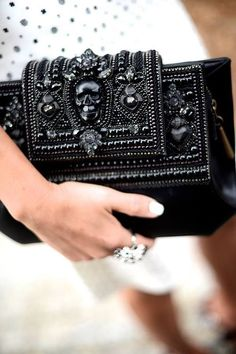 outfits-with-a-clutch-purse-6