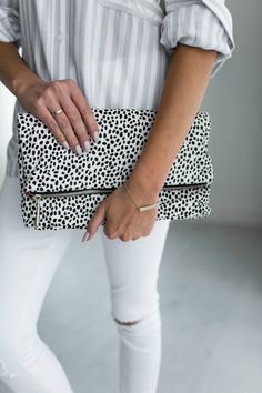 outfits-with-a-clutch-purse-7