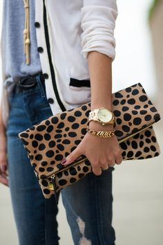 outfits-with-a-clutch-purse-9
