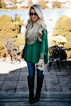 thanksgiving-outfit-green-dress-with-scarf