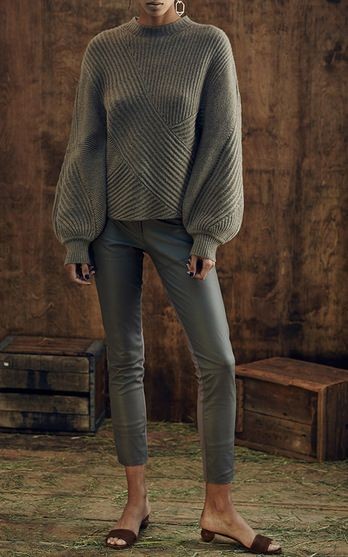 pullover-outfit-ideas-women-fashion-1