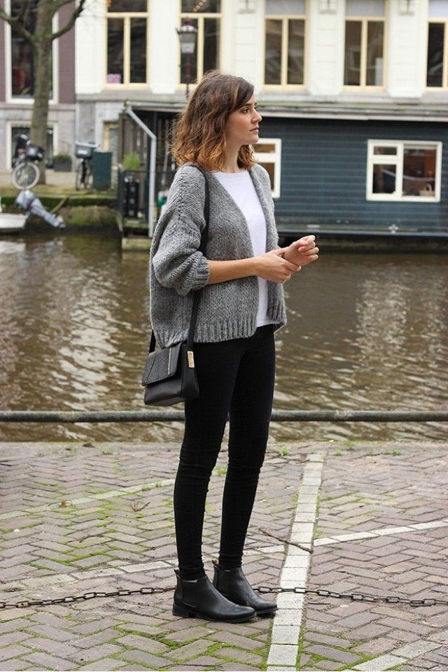 Black ankle boots outfit idea with leggings