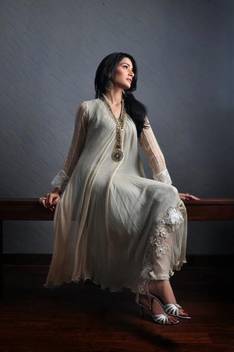 pakistani fashionable outfit ideas