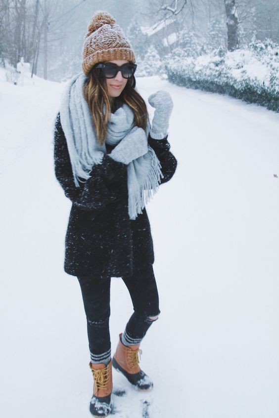 What To Wear In The Snow 13 Cute Warm Amp Dry Outfit Ideas